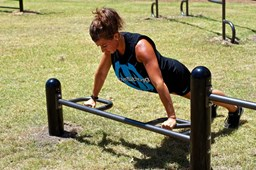 Bild von MoveStrong Fitground Push Up Bars with Varied height and Grips - Outdoor Equipment